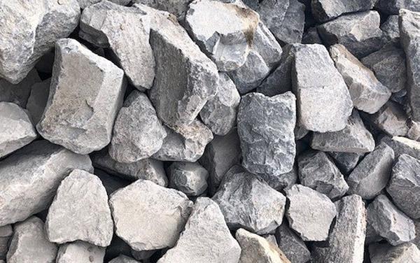 Wasserbausteine basalt